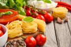 Les aliments à index glycémique bas (pâtes, légumes, fruits, laitages) sont peu hyperglycémiants (illustration).