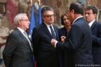 François Hollande, Alain Claeys, Jean Leonetti, Marisol Touraine et Manuel Valls, le 12 décembre à l'Elysée.