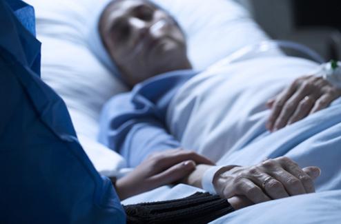 Accompagnement de la fin de vie au domicile : le midazolam injectable dispensé en ville d'ici juin 2020
