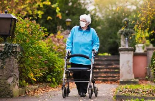 Patients atteints de maladie chronique ou à risque de forme grave de COVID-19 : un déconfinement sous surveillance