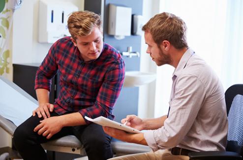 Prise en charge des personnes vivant avec le VIH : un guide de la HAS pour les médecins généralistes