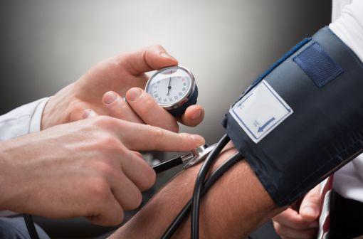 ALDACTAZINE et génériques sont indiqués dans l'hypertension artérielle et l'œdème d'origine rénale, cardiaque et hépatique (illustration).