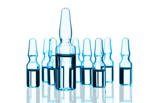 ANDROTARDYL est indiqué dans le traitement substitutif des hypogonadismes masculins, quand le déficit en testostérone a été confirmé cliniquement et biologiquement (illustration).