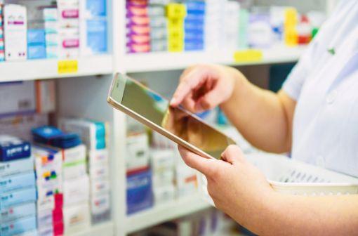 Les ruptures d'approvisionnement peuvent survenir dans la chaîne de distribution, sans que la fabrication du médicament soit impactée : elles ont un impact local ou régional (illustration).