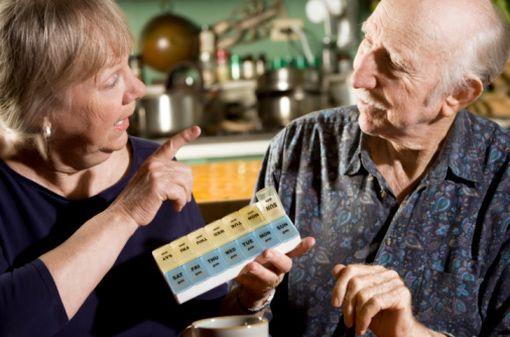 La prescription de médicaments à propriétés anticholinergiques pourrait majorer le risque de démence (illustration).