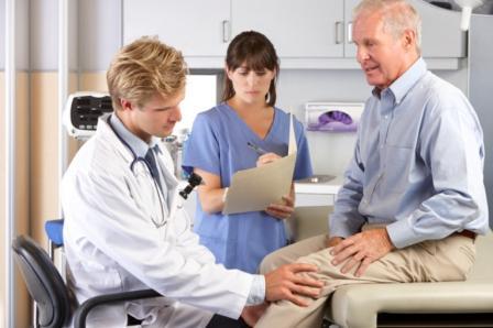 En rhumatologie, PIASCLEDINE est indiqué dans le traitement symptomatique à effet différé de l'arthrose de la hanche et du genou.