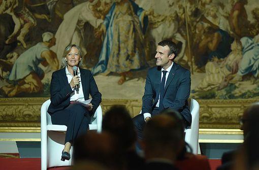 Sophie Cluzel (secrétaire d'Etat chargées des personnes handicapées) et Emmanuel Macron lors du lancement du 4e Plan Autisme (juin 2017, illustration).
