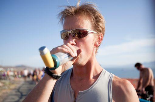 La bronchoconstriction induite par l'effort, avec ou sans asthme sous-jacent, peut être soulagée par l'utilisation d'un spray bronchodilatateur d'action courte (illustration).
