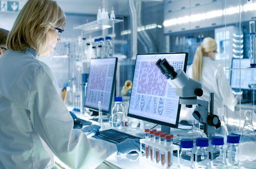 Recherche thérapeutique et COVID-19 : 35 essais cliniques autorisés en France