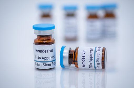 Le remdésivir est disponible aux États-Unis depuis le 20 mars 2020 dans le cadre d'une ATU pour le traitement de la COVID-19 (illustration).