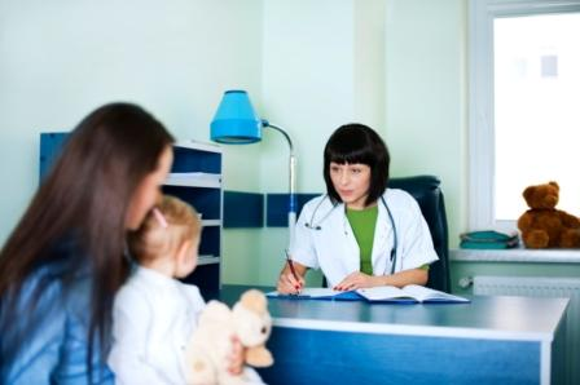 Le carnet de suivi de BUCOLAM doit être remis aux parents du patient lors de toute initiation de traitement.
