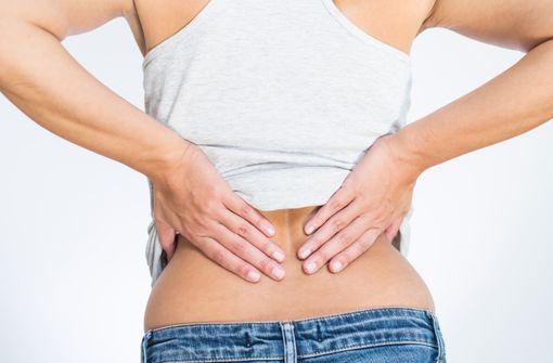 Le tétrazépam par voie orale est indiqué dans le traitement des contractures musculaires douloureuses en rhumatologie.
