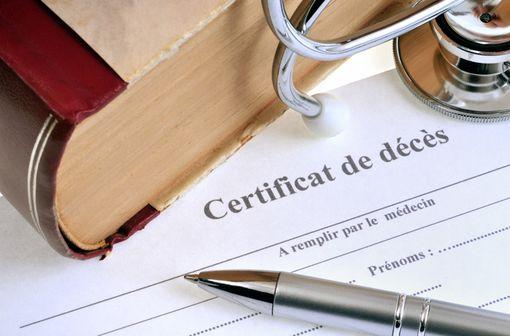 Les médecins en activité et inscrits à l'Ordre des médecins et les étudiants en médecine en situation régulière de remplacement ne sont plus les seuls à pouvoir établir les certificats de décès (illustration).