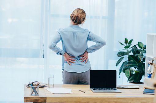 Une contracture est une contraction musculaire involontaire d'une durée inhabituellement longue et souvent douloureuse (illustration).