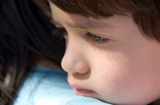 Chez l'enfant, en l'état actuel des connaissances, l'intérêt thérapeutique de la dompéridone n'est pas documenté pour le soulagement des nausées et vomissements (illustration).