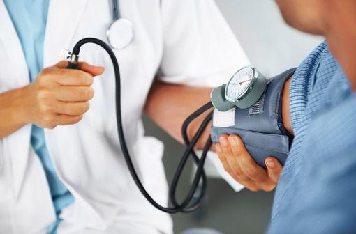 L'urapidil est un vasodilatateur alphabloquant indiqué dans le traitement de l'hypertension artérielle (illustration).