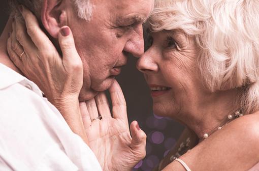 Arrêt cardiaque lié à l'acte sexuel : peu fréquent mais de mauvais pronostic malgré la présence d'un tiers
