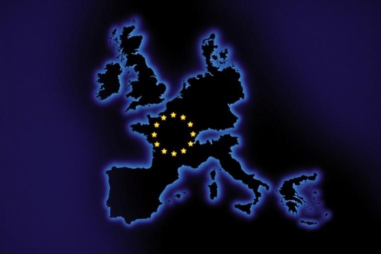 Le PRAC, mis en place en juillet 2012 par l'EMA, participe au renforcement du dispositif de pharmacovigilance.