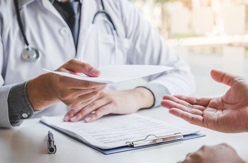 FORTACIN peut désormais être délivré en pharmacie sans ordonnance (illustration).