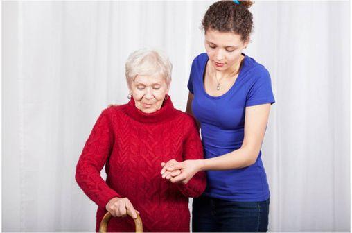 Les fractures caractéristiques de l'ostéoporose postménopausique sont celles des vertèbres, de l'extrémité supérieure du fémur et du poignet.
