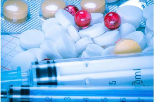 Le répertoire des groupes génériques permet, pour chaque médicament de référence, de connaître les génériques associés (illustration).