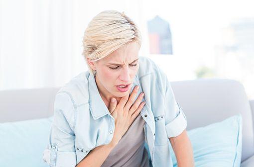 GIBITER EASYHALER est une association d'un brochondilitateur et d'un corticoïde inhalé indiquée dans la prise en charge de l'asthme et de la BPCO (illustration).