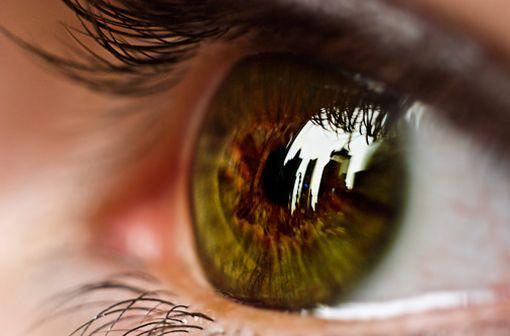Maladie inflammatoire la plus fréquente de l'œil, l'uvéite constitue l'une des principales causes de perte de vision grave et de cécité (illustration).