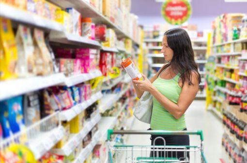 La présence de logos d\'information nutritionnelle pourrait aider les consommateurs dans leurs choix alimentaires (illustration).