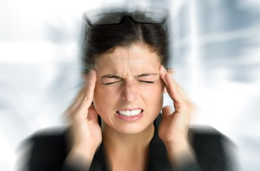MIGPRIV ne doit être prescrit qu'en cas de nausées ou de vomissements associés à la crise de migraine (illustration).