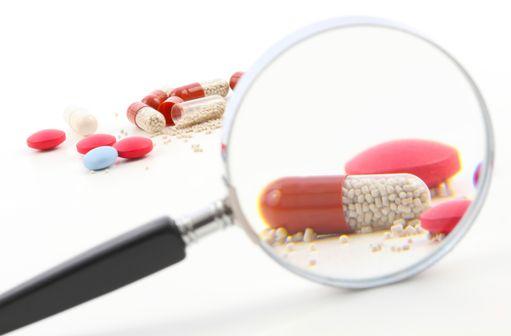 Le système de pharmacovigilance français est plus réactif qu'à la fin du siècle dernier, mais peut encore largement s'améliorer (illustration).
