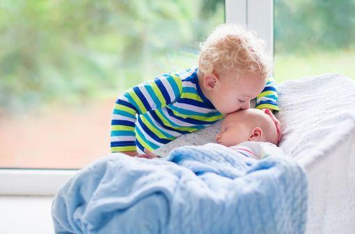 L\'incidence des infections invasives à méningocoque C la plus élevée concerne les nourrissons de moins de 1 an (illustration).