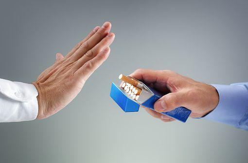 Les substituts nicotiniques remboursables sur prescription médicale « classique » n'entrent plus dans le cadre du forfait annuel, à hauteur de 150 € par an et par personne (illustration).
