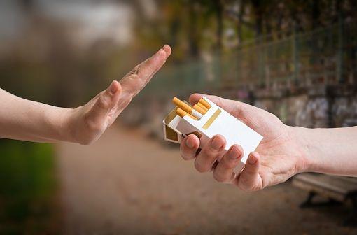 En France, plus de 13 millions de personnes fument mais plus de la moitié souhaitent arrêter de fumer (illustration).