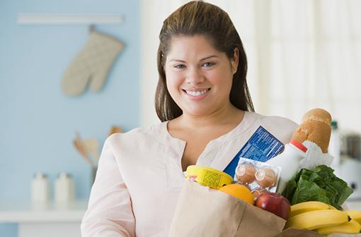 Les interventions nutritionnelles sont associées à une baisse du risque de décès chez les personnes obèses (illustration).