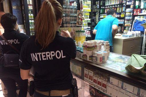 L'opération PANGEA VIII, conduite par Interpol avec la collaboration de 115 pays, a permis de saisir plus de 20 millions de comprimés illicites ou contrefaits destinés à la vente en ligne.