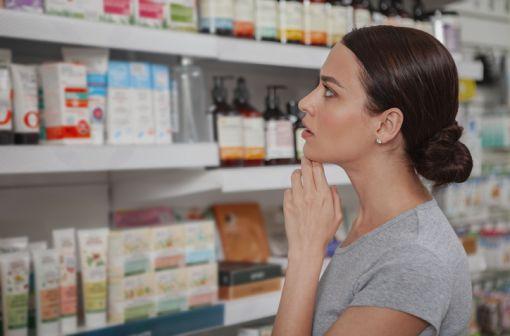 Le libre accès en pharmacie prendra fin à partir du 15 janvier 2020 pour les médicaments contenant du paracétamol, de l'ibuprofène et de l'aspirine (illustration).