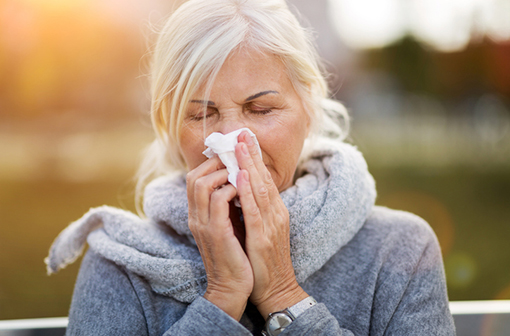 Chez certaines personnes, il existerait une immunité croisée entre les coronavirus des rhumes et SARS-CoV-2 (illustration)