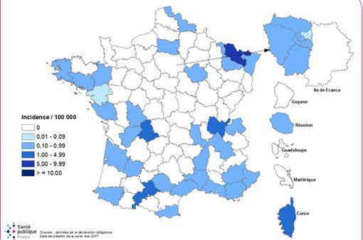 Répartition départementale des cas signalés en 2017 (source : InVS).