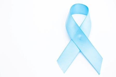 Ruban bleu clair de sensibilisation au cancer de la prostate.