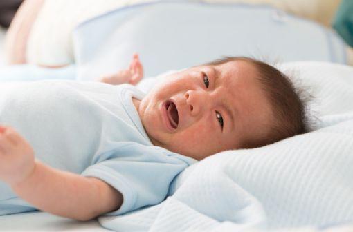 SACOLENE peut être utilisé chez les nourrissons, les enfants et les adultes, notamment en cas de diarrhées liquides de causes diverses (illustration).