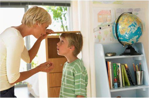 Par définition, le retard statural désigne un enfant dont la taille est inférieure à – 2 DS.