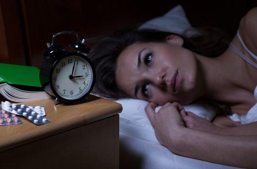 L'insomnie occasionnelle ou transitoire reste la seule indication remboursable de THERALENE (illustration).