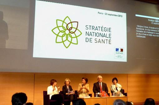 Michèle Delaunay, Geneviève Fioraso, Marisol Touraine, Alain Cordier et Dominique Bertinotti (de gauche à droite).