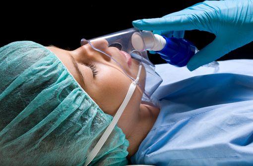THIOPENTAL PANPHARMA est indiqué dans l'induction  et l'entretien de l'anesthésie générale intraveineuse (illustration).