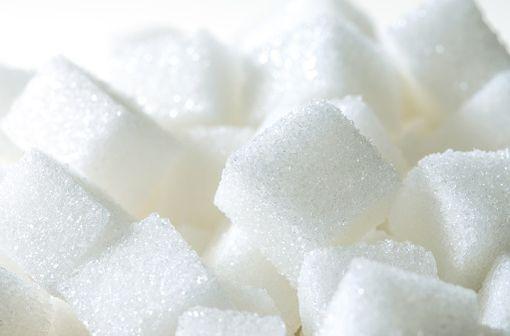 L'insuline favorise l'absorption du glucose présent dans le sang par les cellules adipeuses, les cellules du foie et celles des muscles squelettiques (illustration).