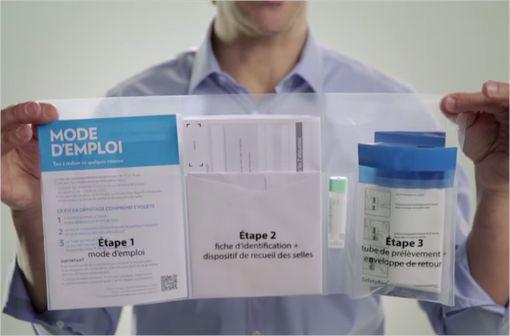 Le nouveau test de dépistage ne comporte plus qu\'un seul prélèvement de selles (capture d\'écran de la vidéo de présentation de l\'INCa).