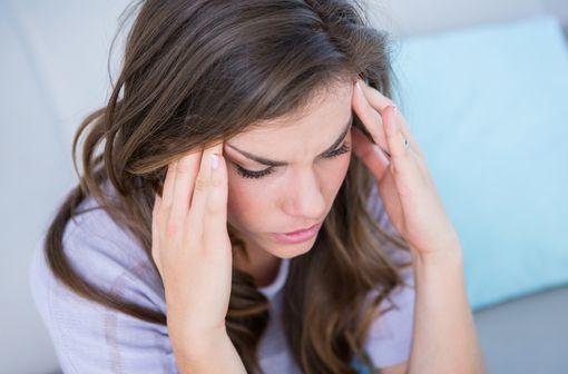 Le zolmitriptan est indiqué dans le traitement de la phase céphalalgique de la crise de migraine (illustration).