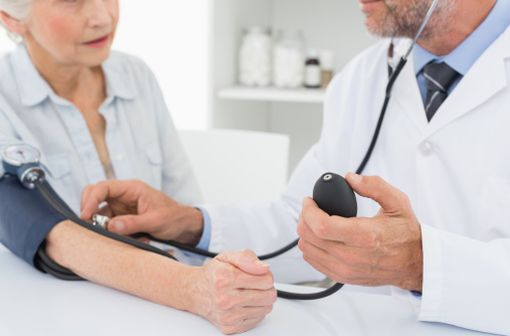 La HAS et l'ANSM conseillent d'autres médicaments que l'olmesartan pour la prise en charge de l'hypertension artérielle (illustration).