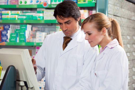 La dispensation des médicaments par voie électronique est désormais possible en France, mais très encadrée.
