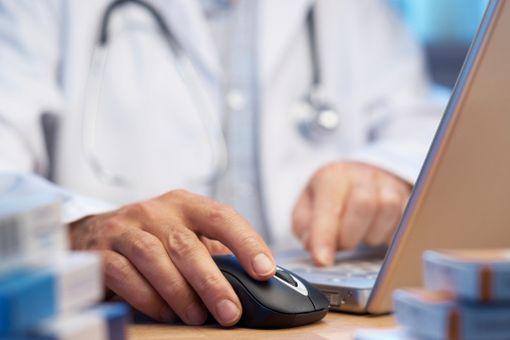 Les premières pharmacies virtuelles françaises sont en ligne depuis début 2013.
